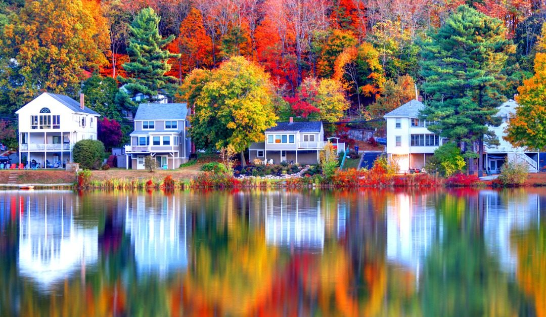 4 Iconic Architectural Styles for Your Lake Home
