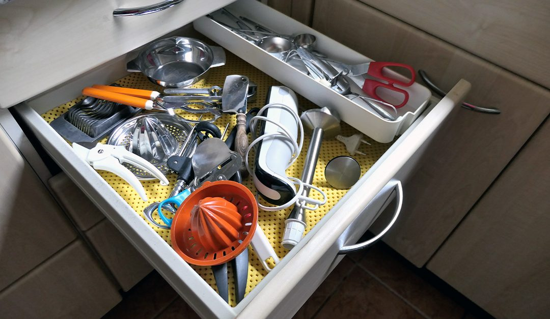 Keep Your Kitchen Clutter-Free With These Tidy Tips