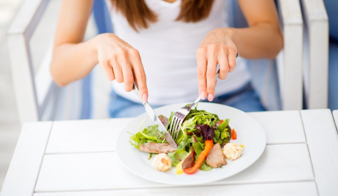 Should You Eat Several Small Meals or a Few Large Meals Per Day?